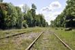 vieille voie ferrée désaffectée