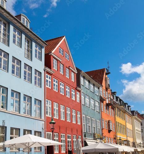Photo  World famous Nyhavn in Copenhagen, Denmark