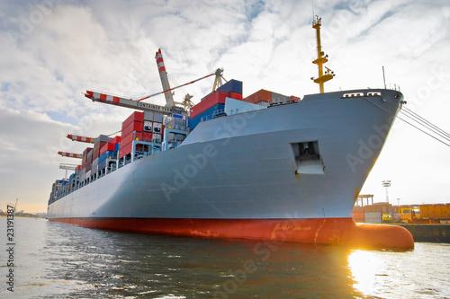 Fotografia  Cargo freight container ship