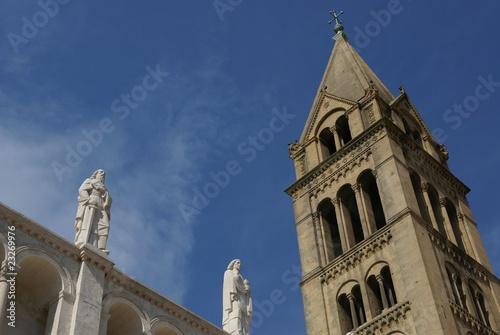 Fotografie, Obraz  Pecs Kathedrale mit Statuen