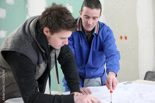 Ouvrier et apprenti