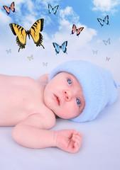 Fototapeta Do gabinetu lekarskiego/szpitala Newborn Baby Boy Butterfly Dream