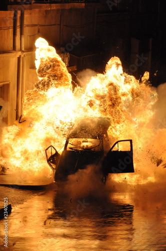 explosion voiture Fototapeta