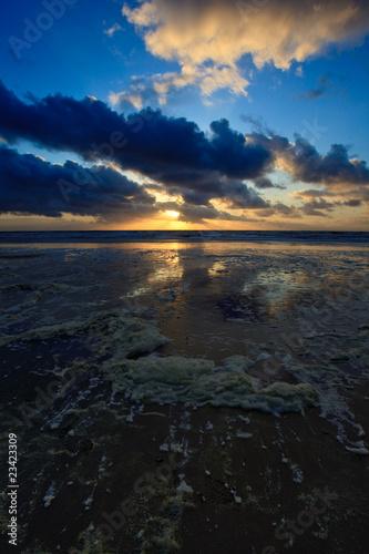 Fotobehang Natuur Park Beautiful sunset in the ocean