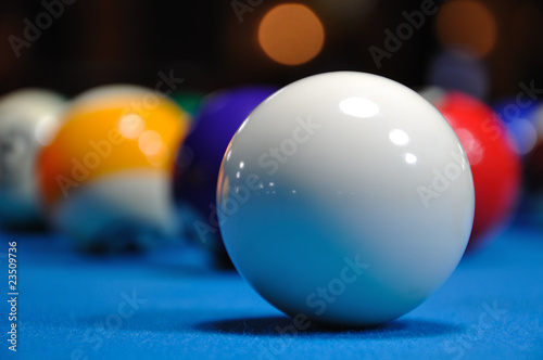 Canvas Print Billiards - Cue ball with other colorful balls