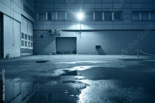 Staande foto Industrial geb. Dark industrial building at night