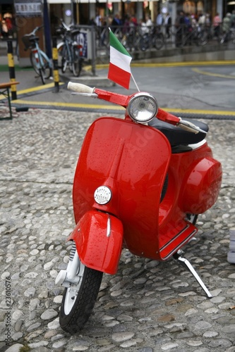 Poster Rouge, noir, blanc Red moped
