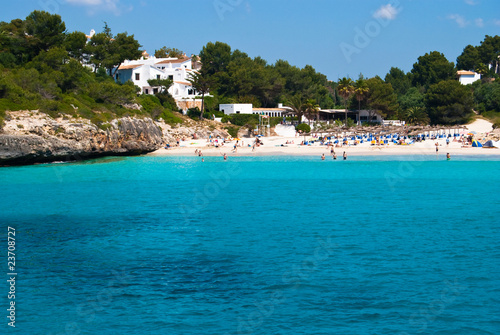 Poster Tropical plage Tursquoise water of Mediterranean Sea at Cala Romantica beach, M