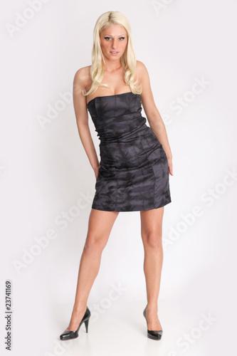 detailing a6ca7 7689f Heisse Blondine im kleinen schwarzen Kleid - Buy this stock ...