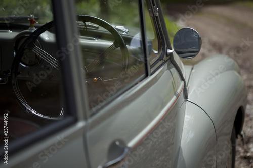 Fotografia  Vintage car side angle