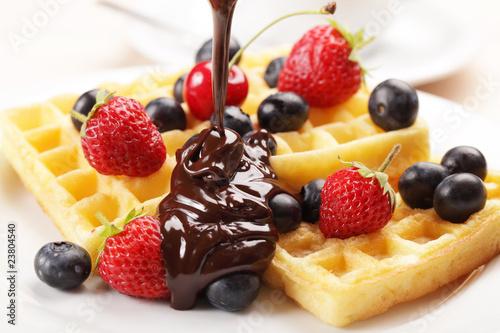Fotografía  Waffles with fruits