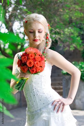 Fotografie, Obraz  beautiful bride with a wedding bouquet