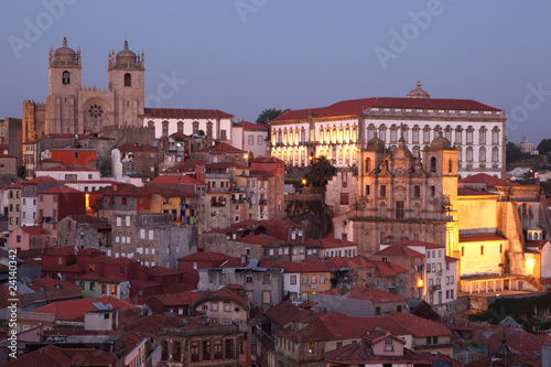Foto op Aluminium Palermo The old town of Porto - Ribeira - at dusk, Portugal