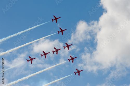 Valokuvatapetti precision formation aircraft flying display