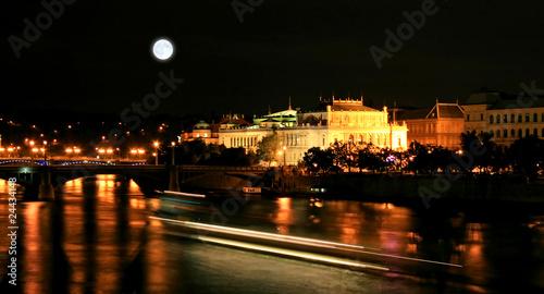 Poster Pleine lune The night view of the beautiful Prague City