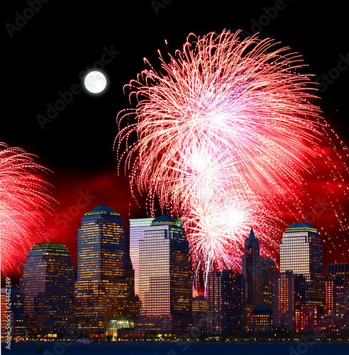 Photo sur Aluminium Pleine lune The New York City skyline and fireworks