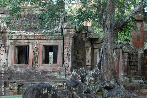Recess Fitting Cemetery cambodge 33