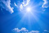 Fototapeta Na sufit - 青空と太陽