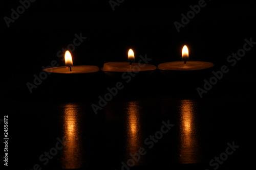 Recess Fitting Zen Three candles