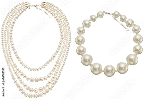 Photo Pearls Circle & Necklace isolated on white background.