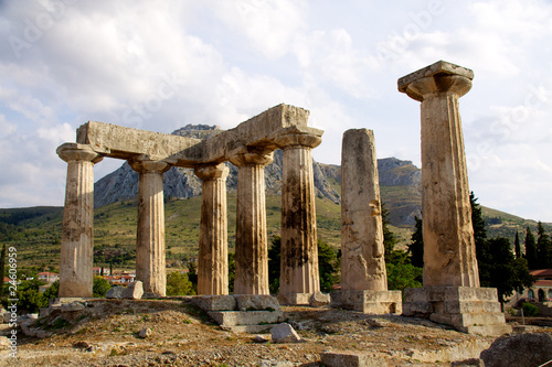 Foto apollon temple in corinth