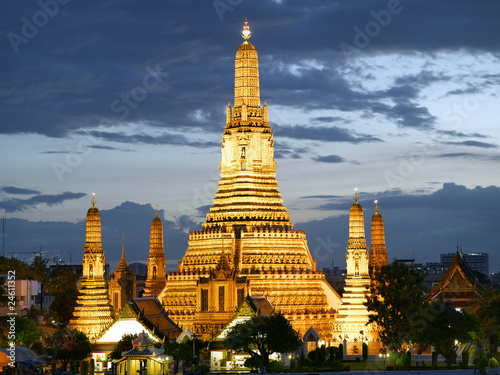 Wat Arun temple at dusk Poster