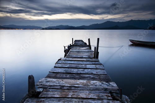 jetty sunrise - 24663354
