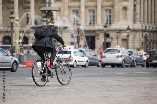 Cadres-photo bureau Londres bus rouge cycliste, place de la Concorde, Paris