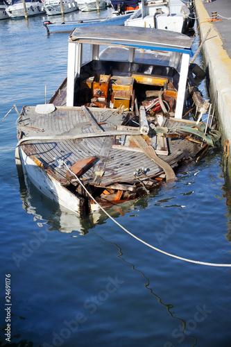 Photo  Rudere di una barca