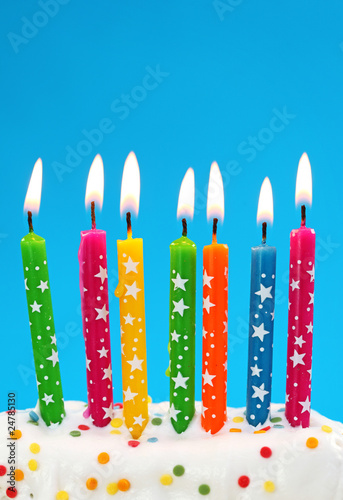 Photo  Colorful birthday candles on blue background