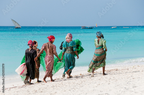 Photo Stands South Africa Women from Zanzibar