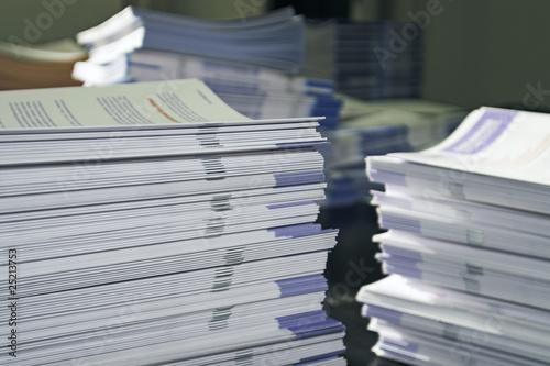 Fotografía  Handout Paper Piles