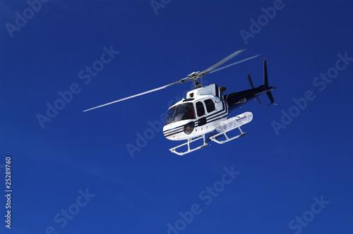 Tuinposter Helicopter hubschrauberbergrettung