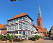 canvas print picture - Marktplatz und Kirche St. Martin in Nienburg / Weser