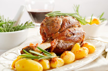 Shank With Potatoes - Stinco C...