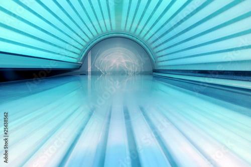 Sun bed - tanning bed - solarium - closed cover Fototapet
