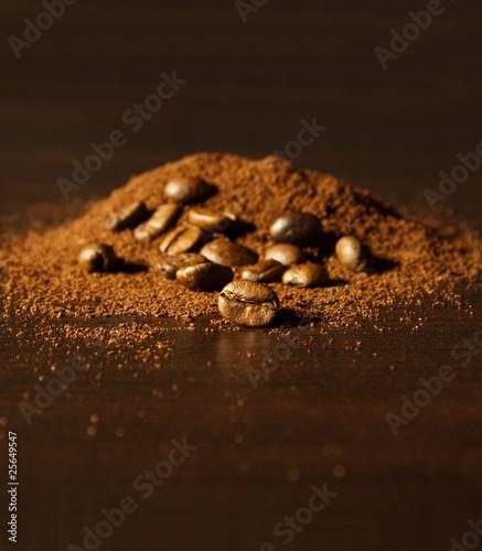 grains de café et café moulu 2