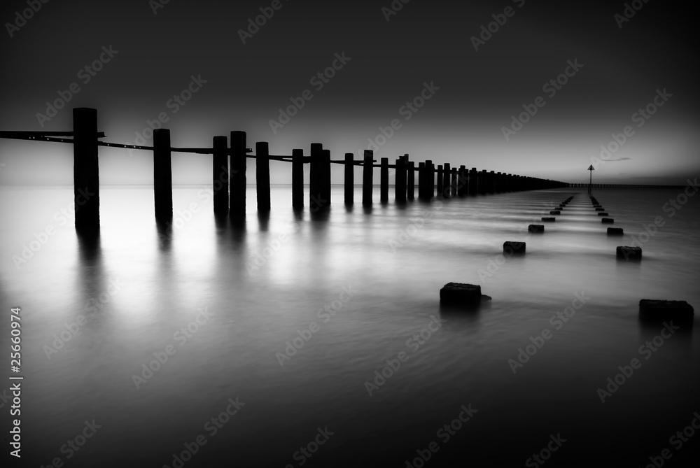 Fototapeta Border of Thames and North Sea in Shoeburyness