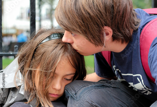 Fotografie, Obraz  consoler sa petite sœur