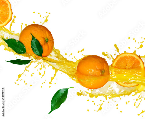 Poster Eclaboussures d eau Orange juice isolated on white