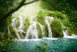 wodospad w głębokim lesie - 26031509