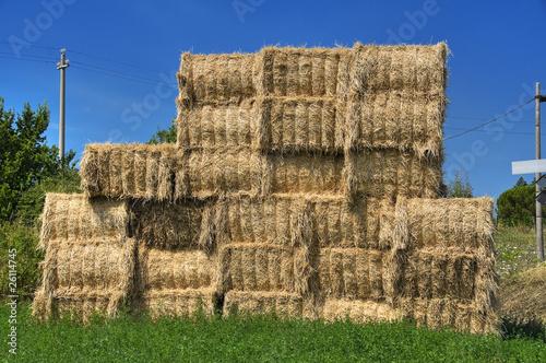 Obraz na plátne Haystacks bales in countryside.