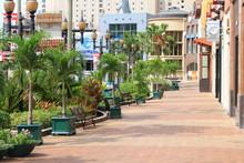 グアム タモン地区のメインストリート