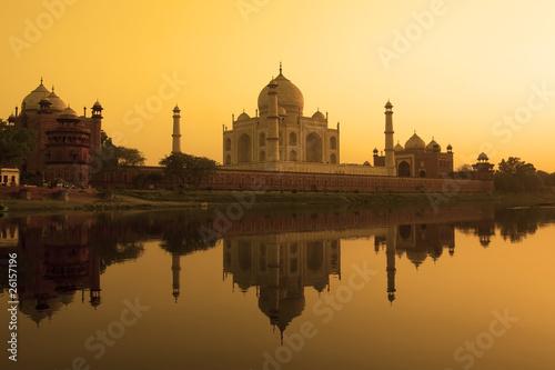 Bild auf Leinwand Tempel auf dem Wasser in Indien Bilder Wandbild Poster Leinwandbild