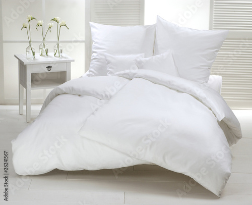Fotografija Weißes Doppelbett