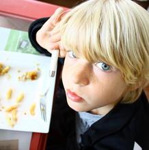 Repas, Enfant Blond ,yeux Bleus