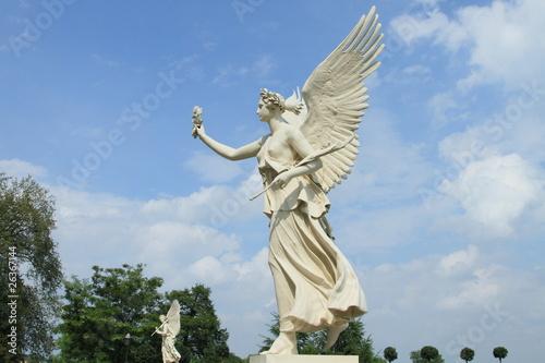 Fotografija  angels from Schwerin castle garden, Germany