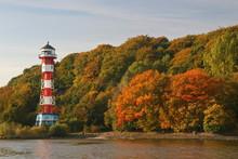 Herbst An Der Elbe Bei Hamburg...