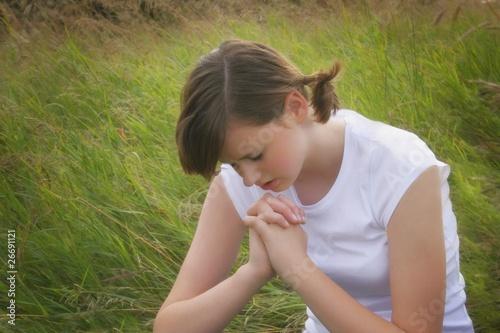 Fotografie, Obraz  Teenage Girl Praying