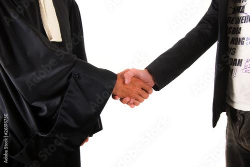 Photo  Justice - Poignet de mains entre avocat et client